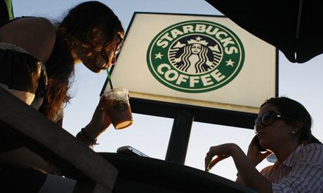 Drinking-coffee-at-Starbu-001