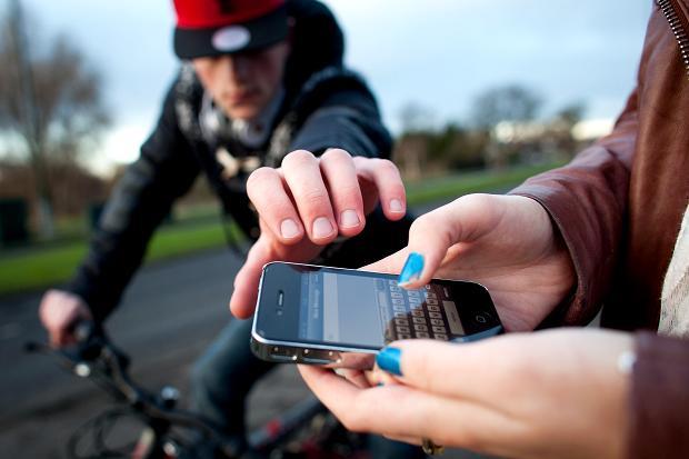 stolen-smartphone