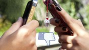 teenagers-with-iphones-facebook-970x0