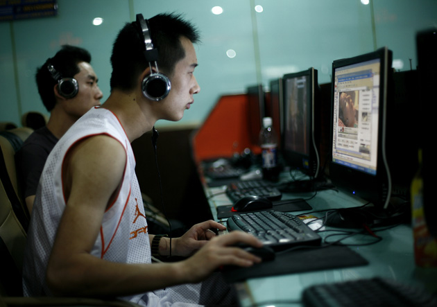 internet-cafe-china-ap-photo-greg-baker