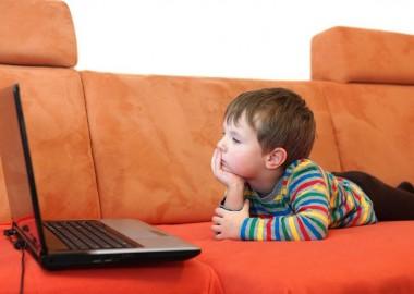 boy-watching-laptop