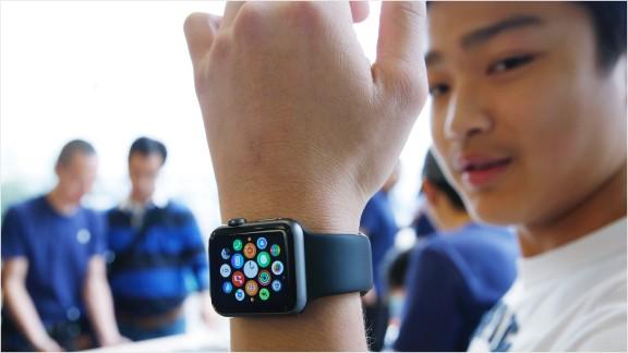 150410072355-apple-watch-576x324