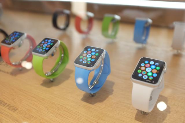 apple-watch-colette-display-case