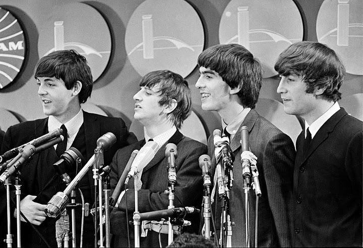 The-Beatles-meet-reporters-NYC-Pan-Am