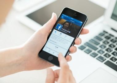 facebook-social-network-app-smartphone-640x0