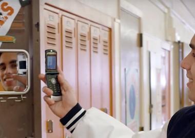 moto-razr-flip-phone