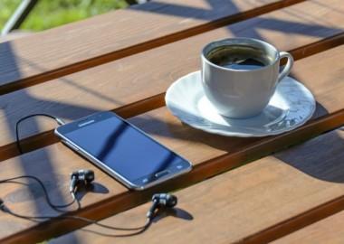 อนาคต มนุษย์อาจได้นั่งจิบกาแฟเพลิน ๆ และมีหุ่นยนต์ทำงานแทน