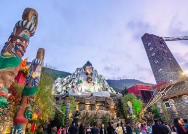หนึ่งในธีมปาร์คที่อยู่ภายใต้การบริหารของ Songcheng Performance Development