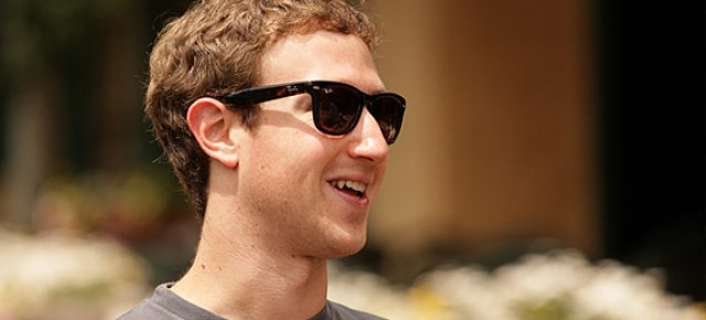 mark-zuckerberg-raybans-pan_11947