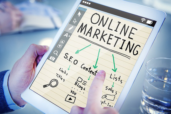 Digital_Marketing_Traditional