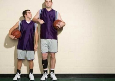 large-1464386523-637-the-long-and-the-short-of-it-eight-reasons-why-short-men-come-up-short