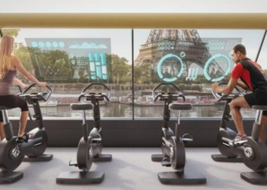 Paris-Navigating-Gym-pedal-powered-boat2-1
