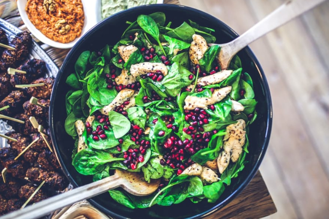 food-salad-healthy-lunch-1